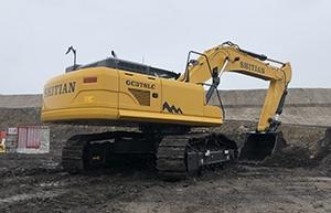 挖掘机在工作时需要注意哪些事项?